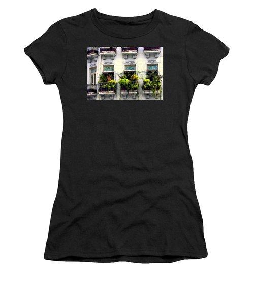 Havana Windows Women's T-Shirt (Athletic Fit)