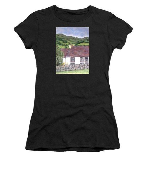 Highland Farmhouse Women's T-Shirt