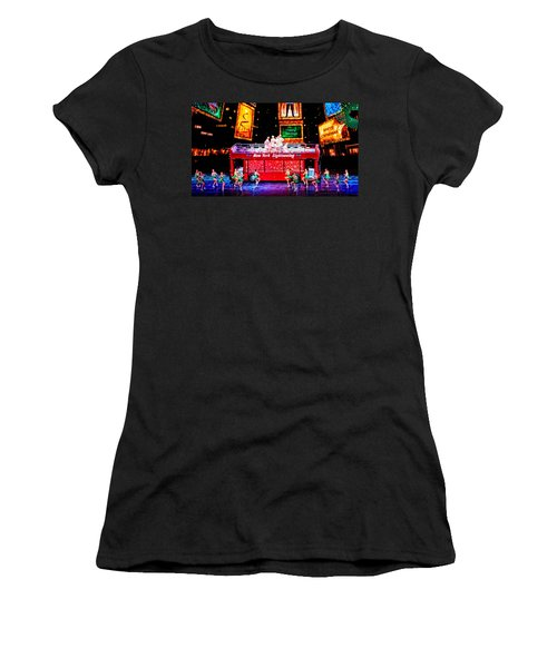 Holiday Sightseeing Women's T-Shirt (Athletic Fit)