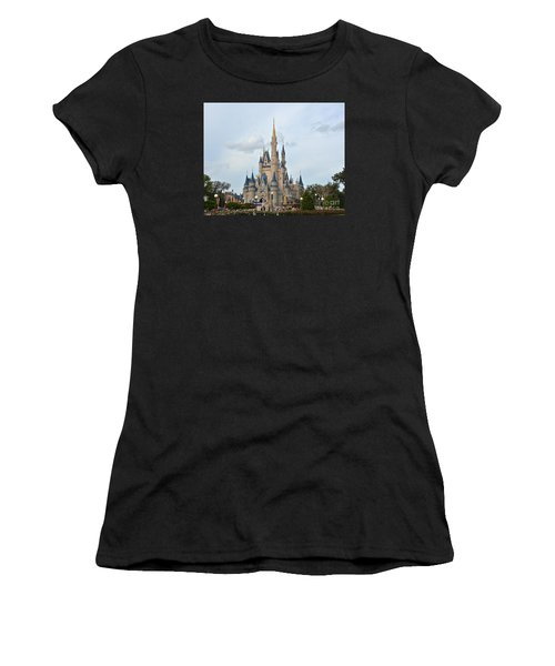 I Believe In Magic Women's T-Shirt (Athletic Fit)