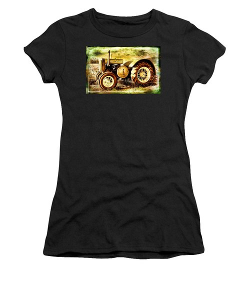 John Deere Sunlit Women's T-Shirt (Athletic Fit)