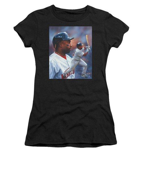 Kirby Puckett Minnesota Twins Women's T-Shirt (Athletic Fit)