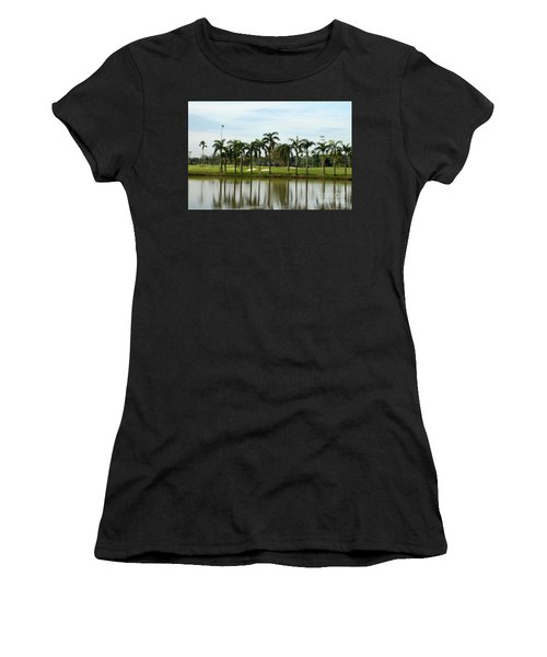 Lake Sand Traps Palm Trees And Golf Course Singapore Women's T-Shirt