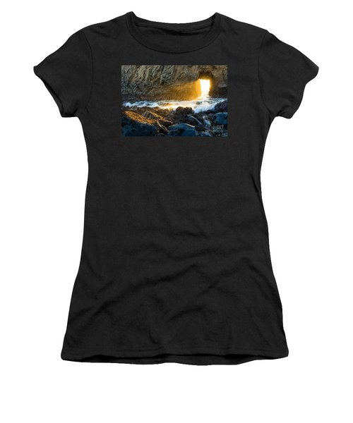 Light The Way - Arch Rock In Pfeiffer Beach In Big Sur. Women's T-Shirt