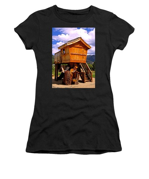 Log Cabin Penthouse Women's T-Shirt (Athletic Fit)