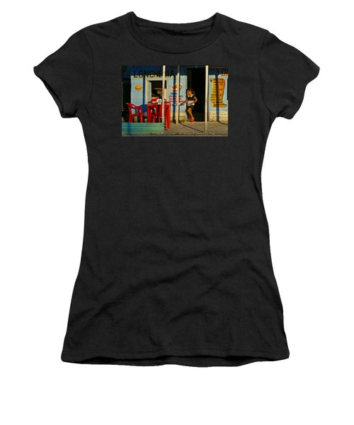 Loncheria Women's T-Shirt