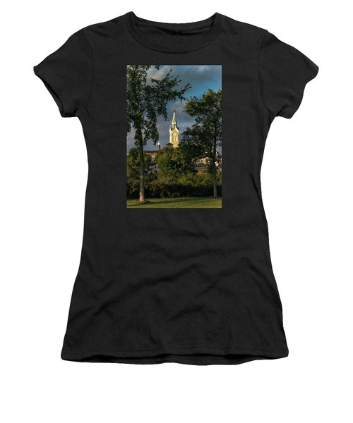 Looking West Women's T-Shirt