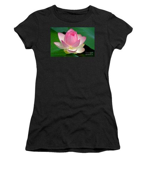Lotus 7152010 Women's T-Shirt (Athletic Fit)