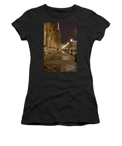 Louvre Courtyard Women's T-Shirt (Athletic Fit)