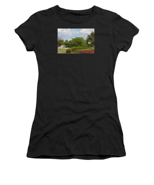 Lytle Park Cincinnati Women's T-Shirt (Athletic Fit)
