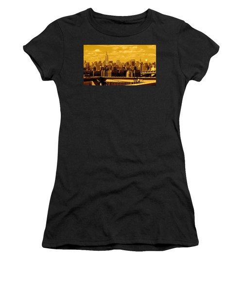 Manhattan Skyline Women's T-Shirt