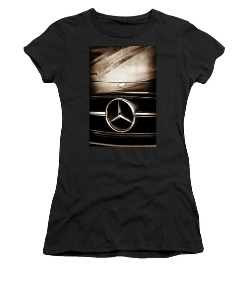 Mercedes-benz Grille Emblem Women's T-Shirt