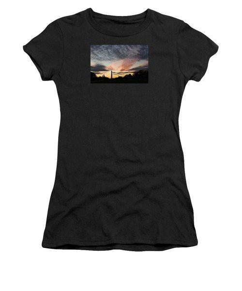 Mother Nature Painted The Sky Over Washington D C Spectacular Women's T-Shirt (Junior Cut) by Georgia Mizuleva