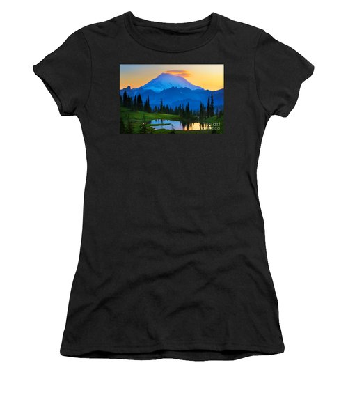 Mount Rainier Goodnight Women's T-Shirt (Athletic Fit)
