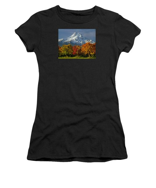 1m5117-mt. Hood In Autumn Women's T-Shirt
