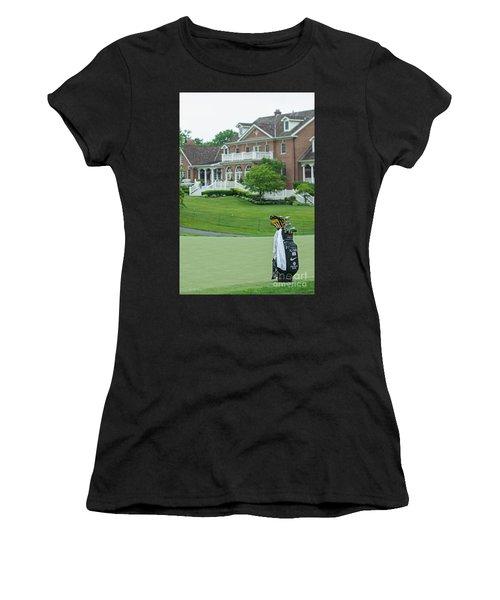 D12w-289 Golf Bag At Muirfield Village Women's T-Shirt