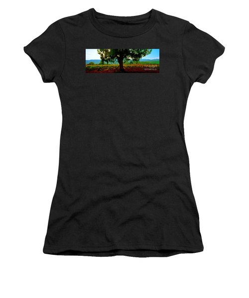Napa Valley Winery Roadside Women's T-Shirt (Athletic Fit)