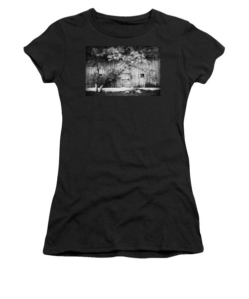 Natures Awning Bw Women's T-Shirt