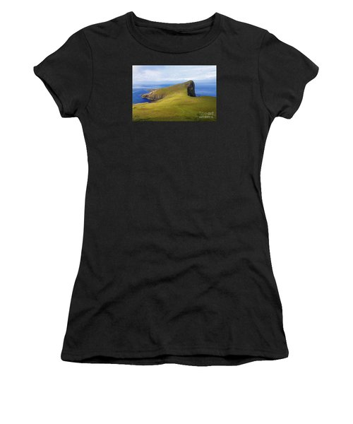 Neist Point  Women's T-Shirt (Athletic Fit)