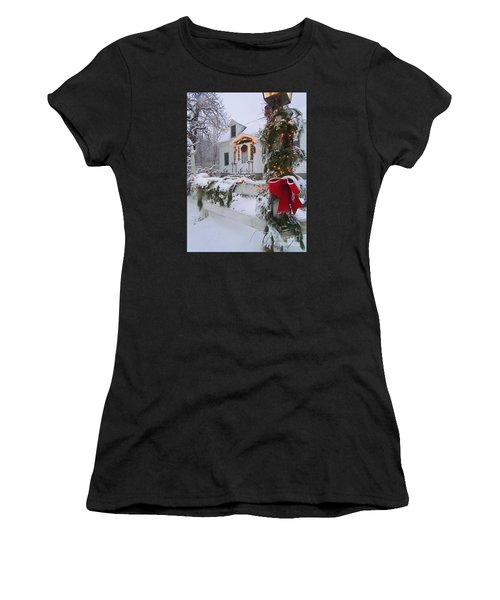 New England Christmas Women's T-Shirt (Athletic Fit)