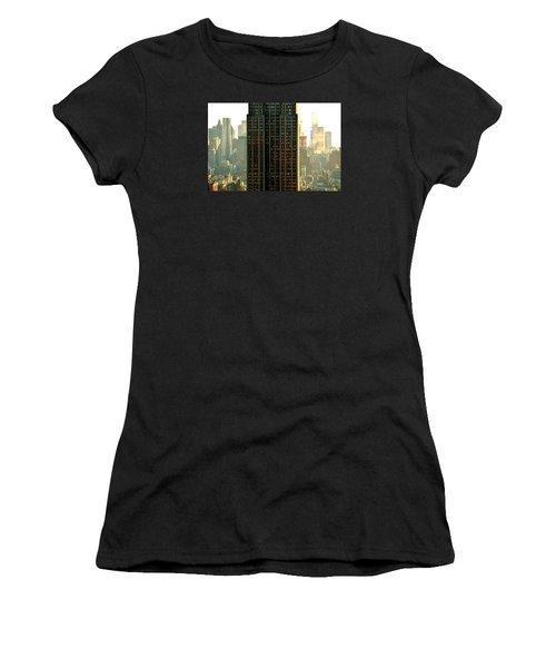 New York Scraper Women's T-Shirt (Athletic Fit)