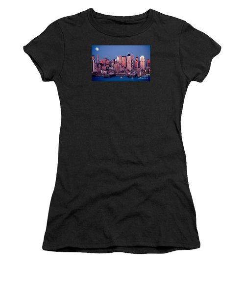 New York Skyline At Dusk Women's T-Shirt