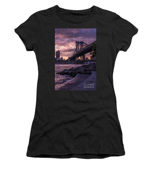 Nyc- Manhatten Bridge At Night Women's T-Shirt (Athletic Fit)