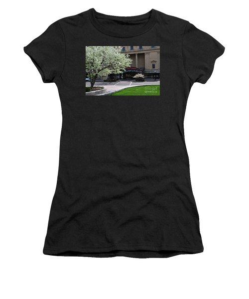 D45l42 Ohio Theatre Photo Women's T-Shirt