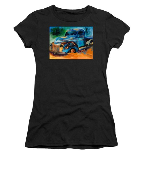 Old Ford In The Back Of The Field Women's T-Shirt (Athletic Fit)