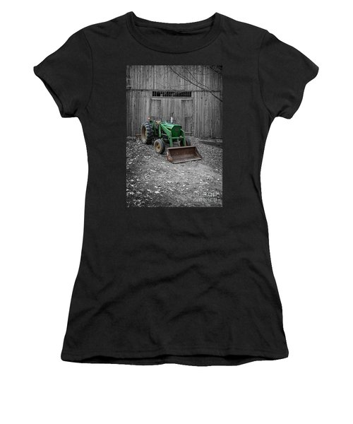 Old Tractor By The Barn Etna New Hampshire Women's T-Shirt