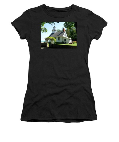 Old Mission Lighthouse Women's T-Shirt (Athletic Fit)