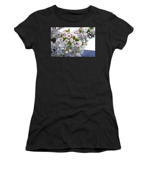 Oregon Cherry Blossoms Women's T-Shirt (Athletic Fit)
