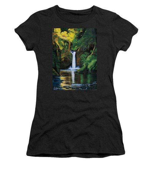Oregon's Punchbowl Waterfalls Women's T-Shirt (Junior Cut)