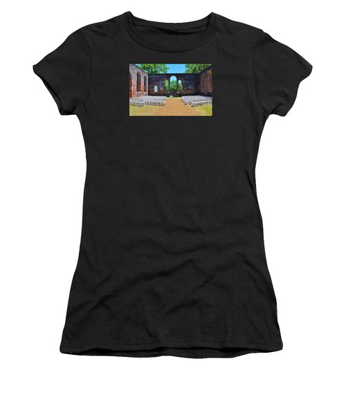 Outside Wedding Women's T-Shirt