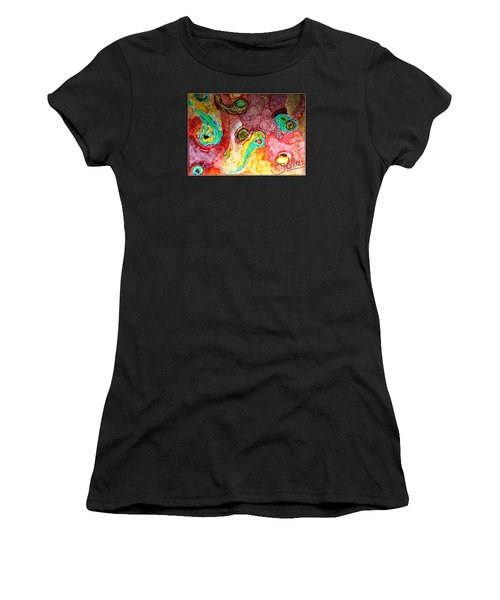 Paisley Whispers.. Women's T-Shirt