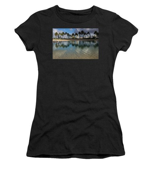 Palm Trees Crystal Clear Lagoon Water And Tropical Fish Women's T-Shirt