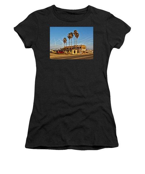 Penny Bar Mckittrick California Women's T-Shirt (Athletic Fit)