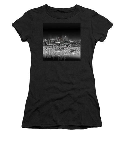 Philadelphia Skyline  Gradient Women's T-Shirt (Athletic Fit)