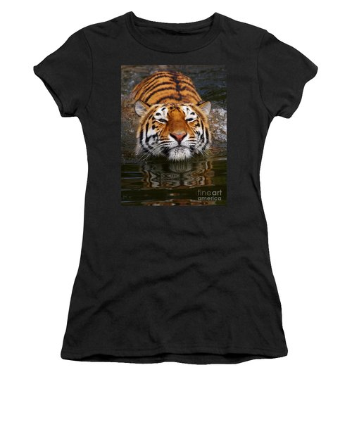 Portrait Of A Bathing Siberian Tiger Women's T-Shirt (Athletic Fit)