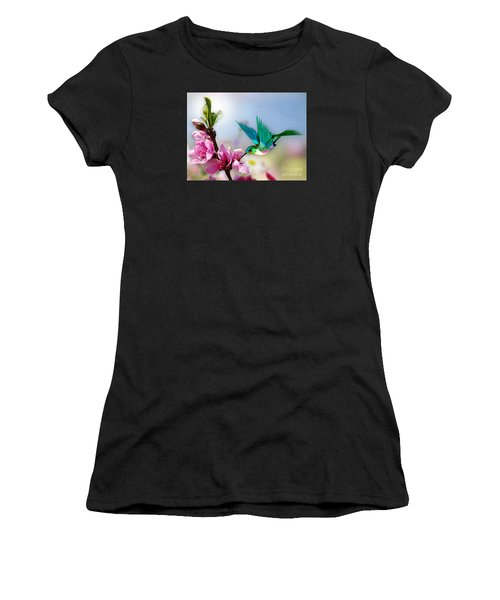 Pretty Hummingbird Women's T-Shirt