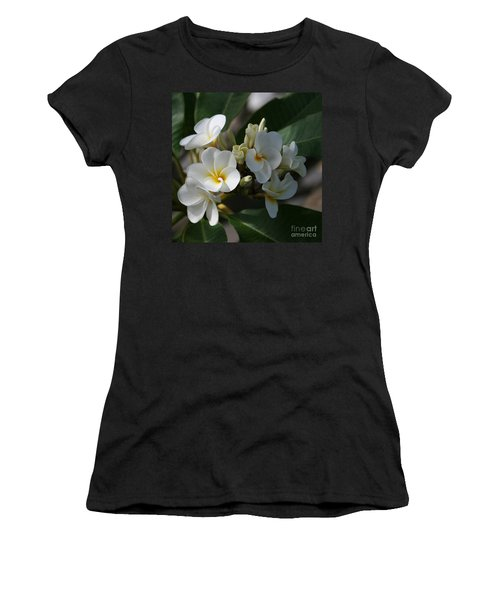 Pua Melia Na Puakea Onaona Tropical Plumeria Women's T-Shirt