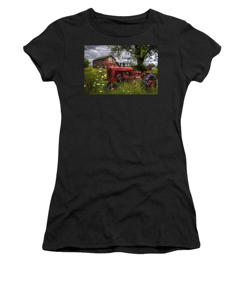 Reds In The Pasture Women's T-Shirt