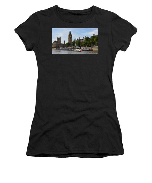 River Thames View Women's T-Shirt (Athletic Fit)
