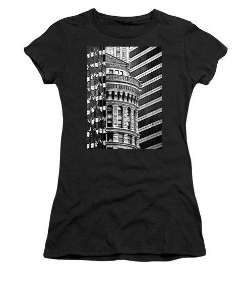 San Francisco Design Women's T-Shirt (Junior Cut) by Art Shimamura