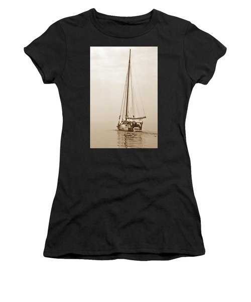 Sepia Minnie V Women's T-Shirt