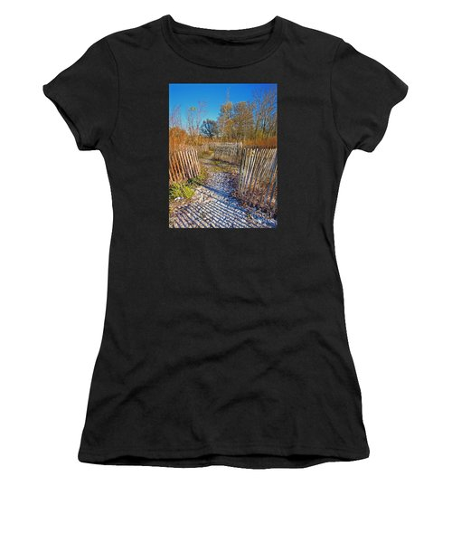 Serenity Trail.... Women's T-Shirt (Athletic Fit)