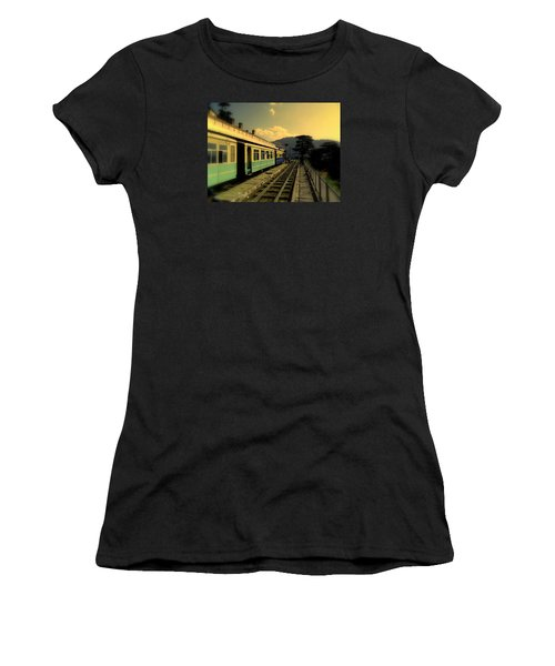 Shimla Railway Station Women's T-Shirt (Athletic Fit)