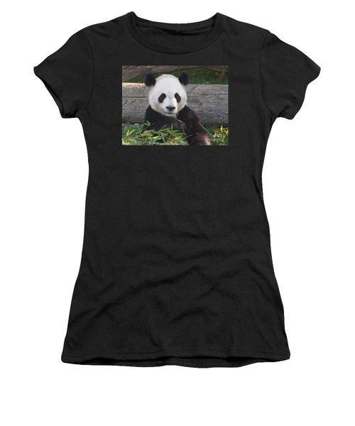 Smiling Giant Panda Women's T-Shirt (Athletic Fit)