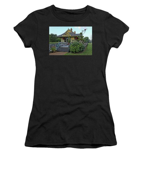 St Charles Station On The Katty Trail Look West Dsc00849 Women's T-Shirt (Junior Cut) by Greg Kluempers