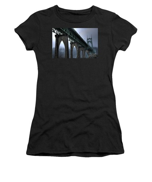 St Johns Bridge Oregon Women's T-Shirt (Athletic Fit)